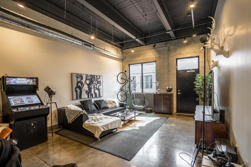 Wonder Bread Lofts 1 Bedroom Industrial Loft Unit 121