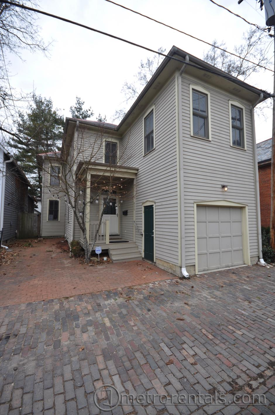 835 Macon Alley 2 Or 3 Bedroom 2½ Bathroom House Qr This Place